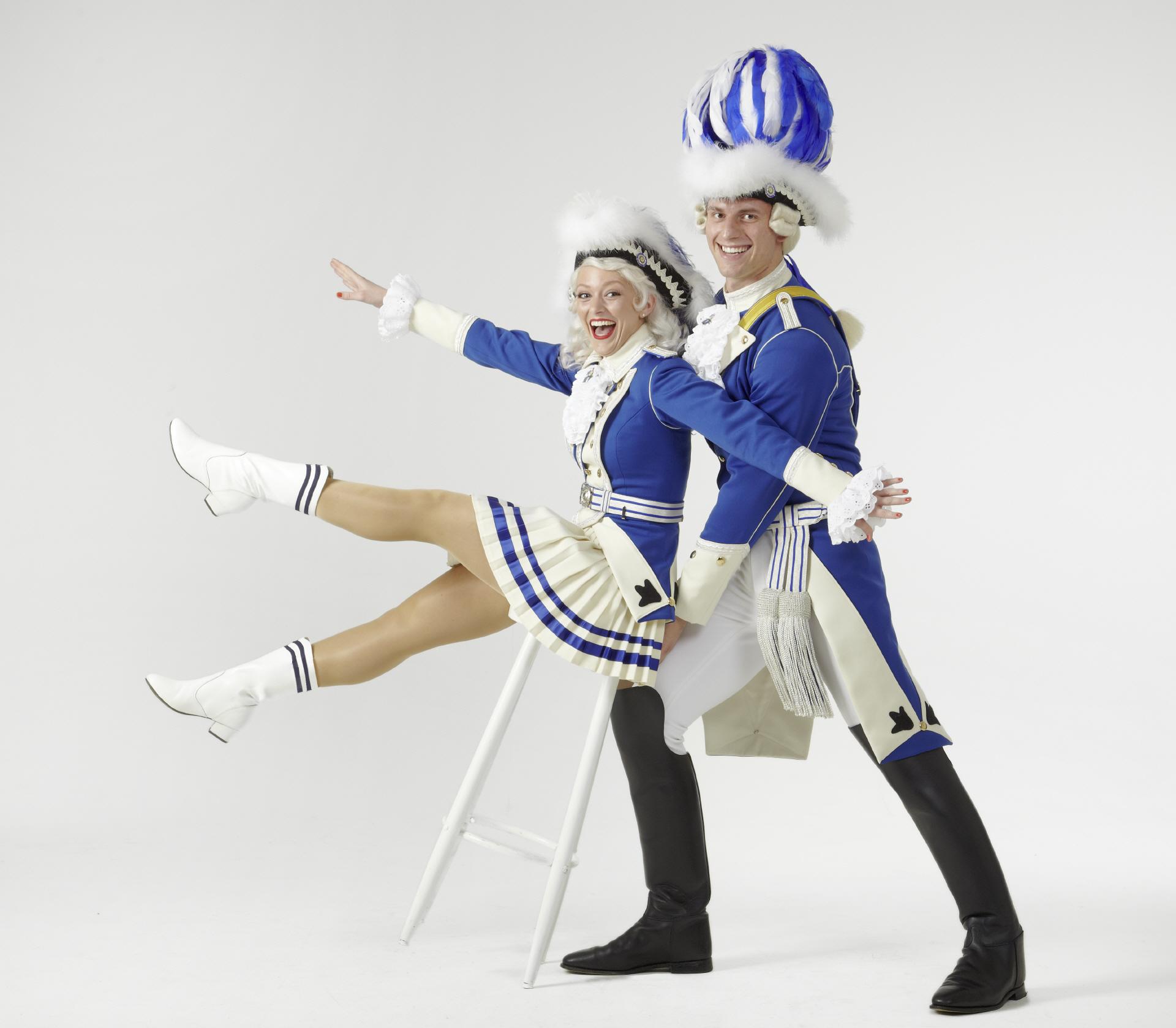 Tanzpaar Blaue Funken