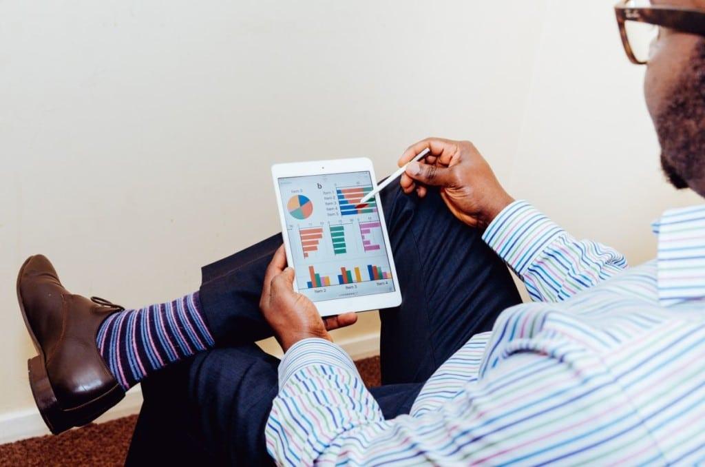 Automatisierte Auswertungen helfen dabei, schnell die richtigen Schlüsse zu ziehen und entsprechende Maßnahmen einzuleiten. Im Marketing ist entsprechende Software heute unverzichtbar. Bildquelle: @ Adeolu Eletu / Unsplash.com