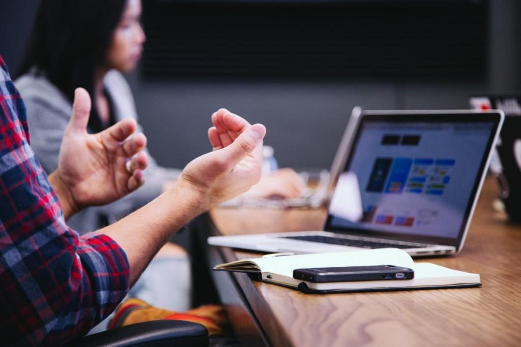 Digitale Helfer erleichtern den Geschäftsalltag ungemein - dies betrifft fast alle Bereiche. Bildquelle: @ Headway / Unsplash.com
